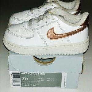Nike Air Force 1 Toddler Girls Sneakers